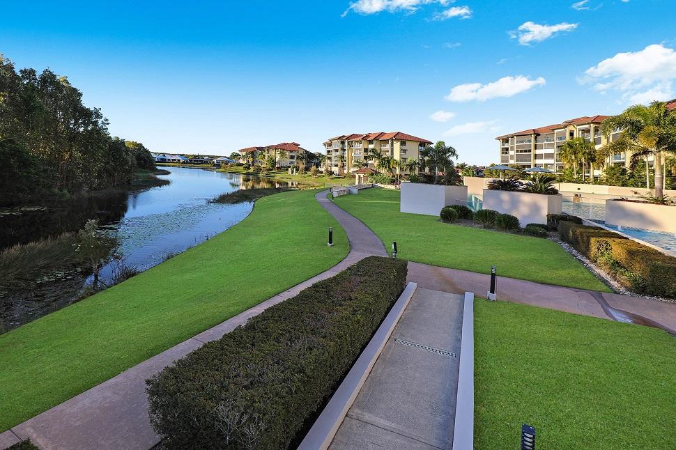 Pelican Waters Resort Walkways
